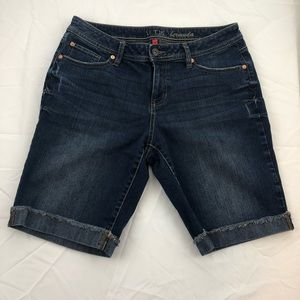 Apt. 9 cuffed Bermuda shorts button pockets